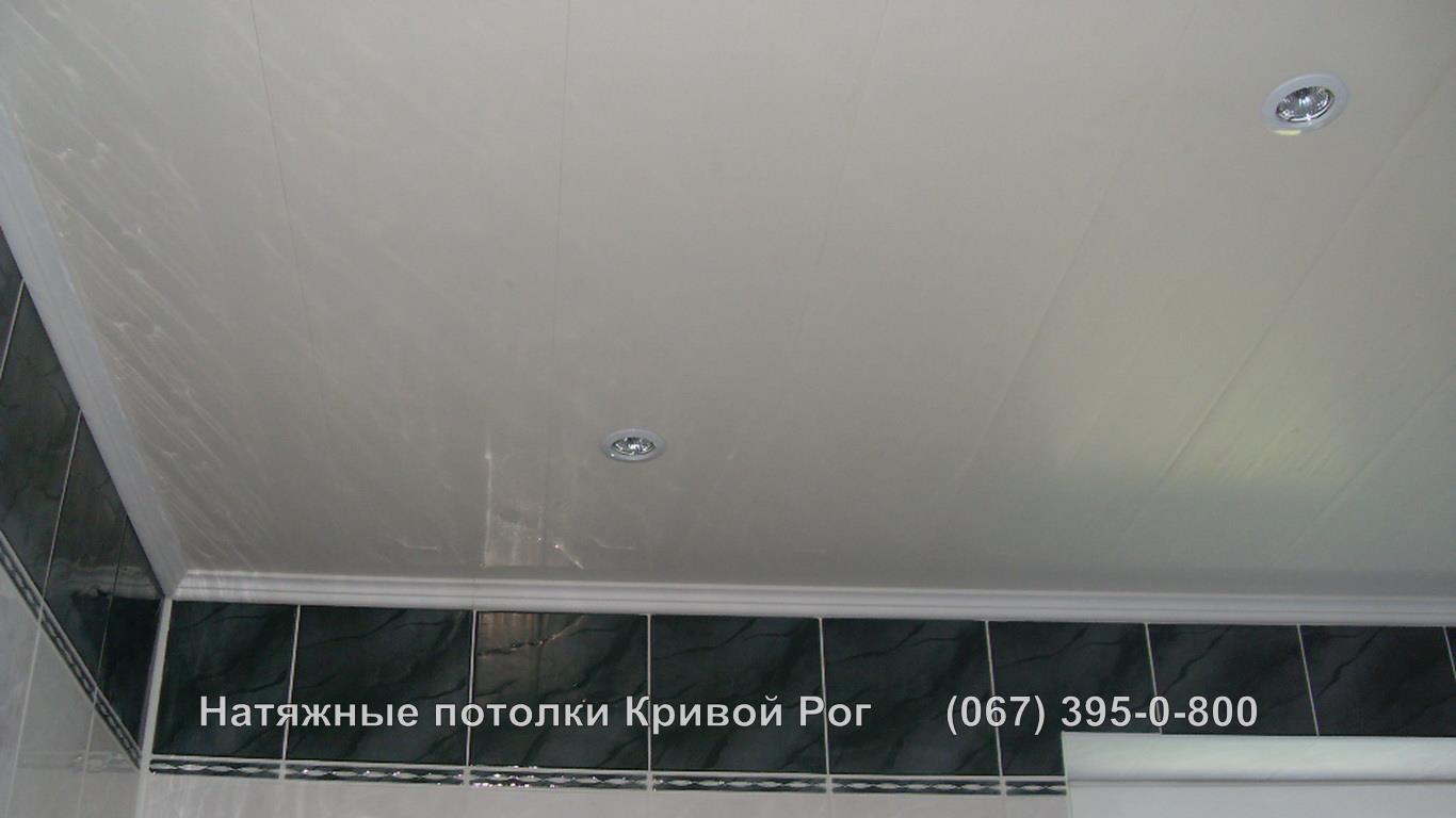 potolki_vannaya-14