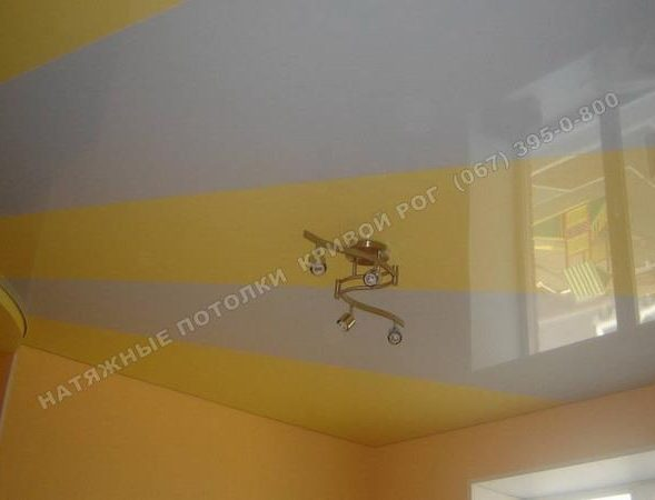 Натяжные потолки Кривой Рог спайка разных цветов