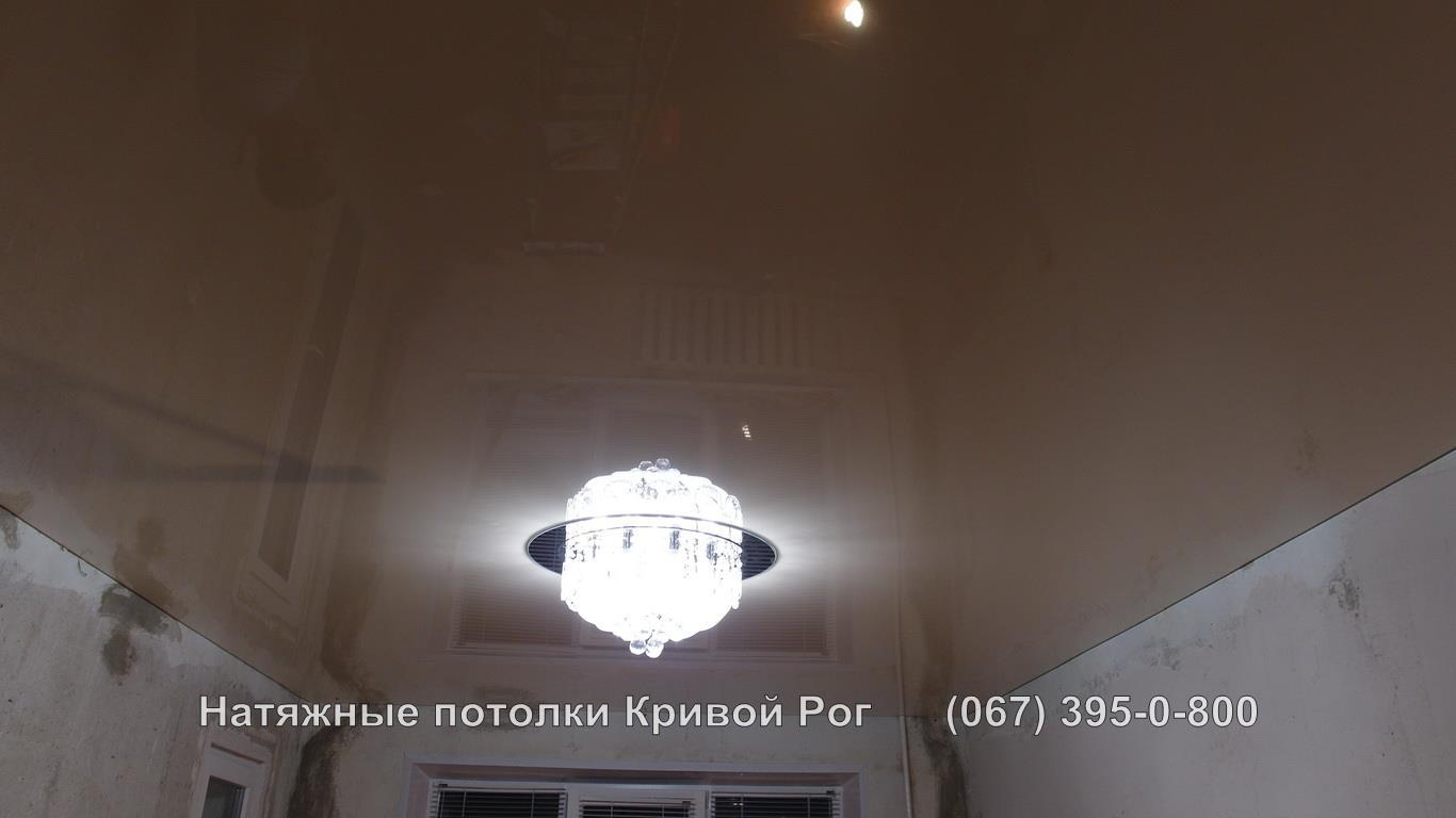 potolki_gostinaya-34