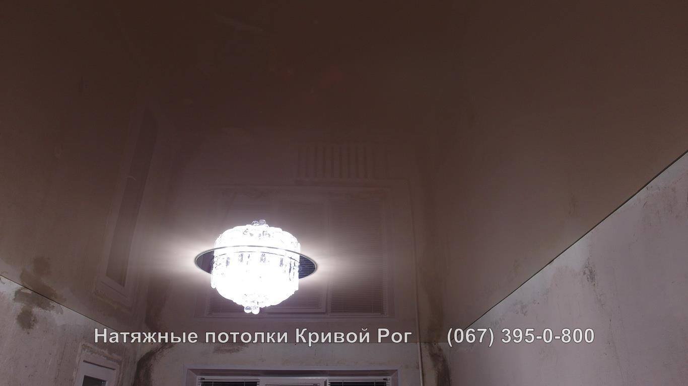 potolki_gostinaya-36