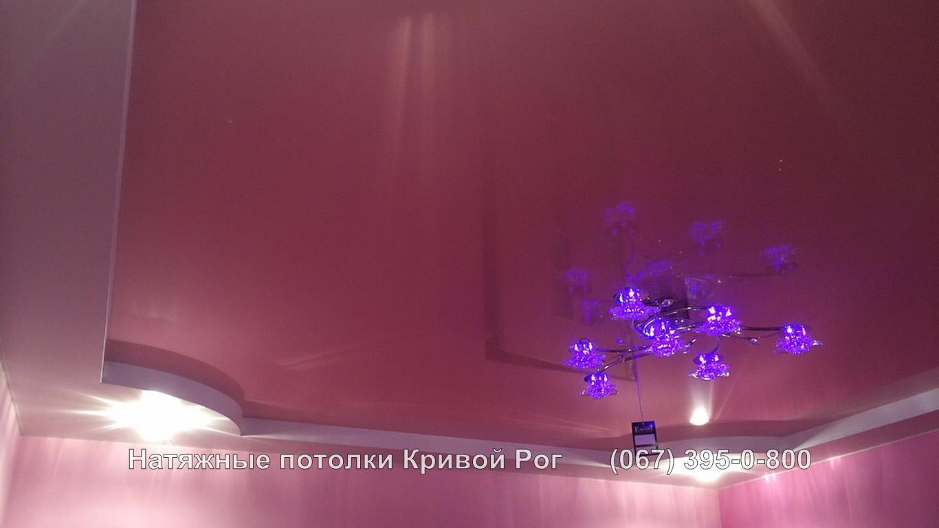 potolki_gostinaya-54