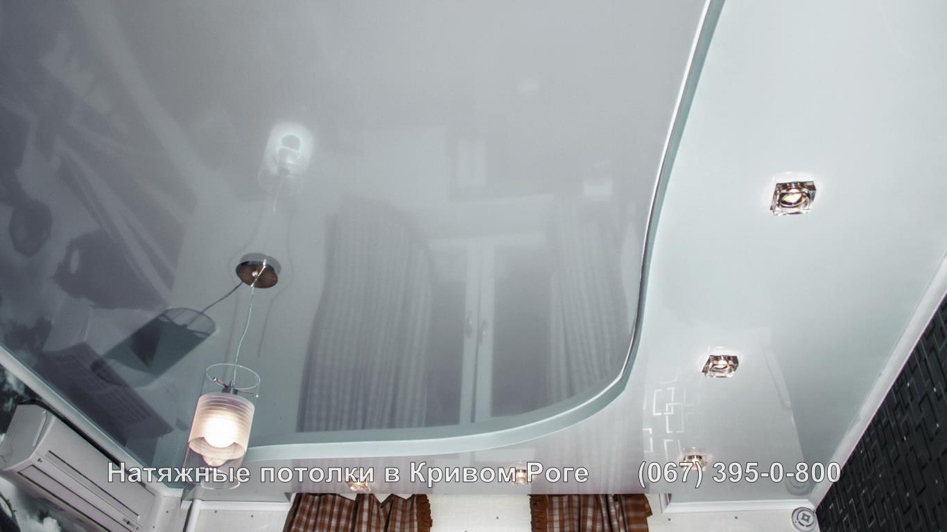 Двухуровневый светлый натяжной потолок в кривом роге